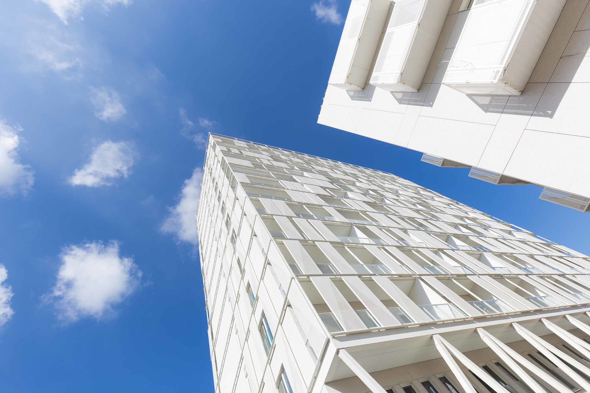 Besix Red pour l'immeuble résidentiel The Cosmopolitan situé à Bruxelles-Ville, (Bogdan & Van Broeck)