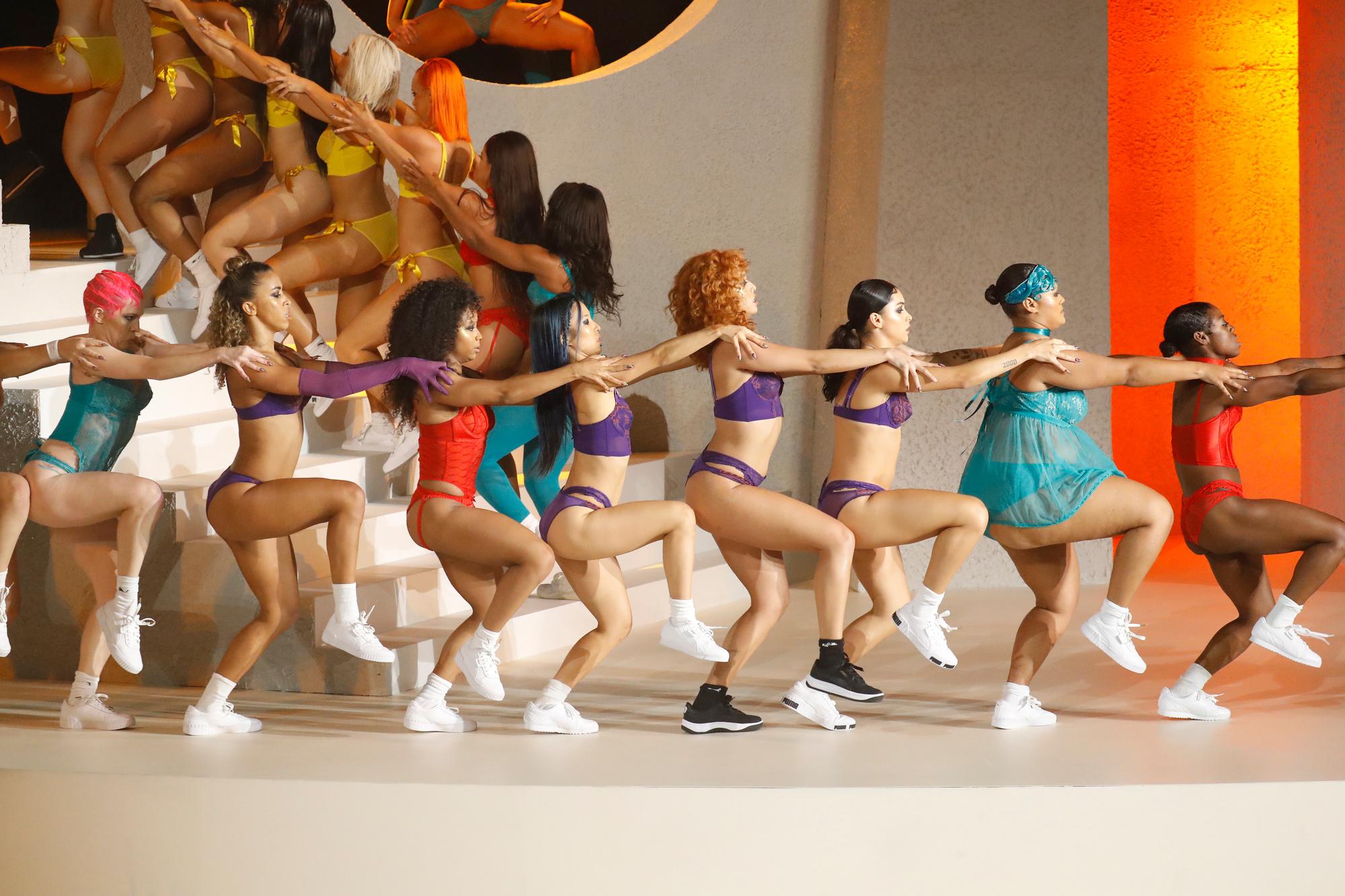 Défilé de lingerie Savage x Fenty, où les mannequins représentent toute la variété de canons que les corps peuvent recouvrir , Getty Images