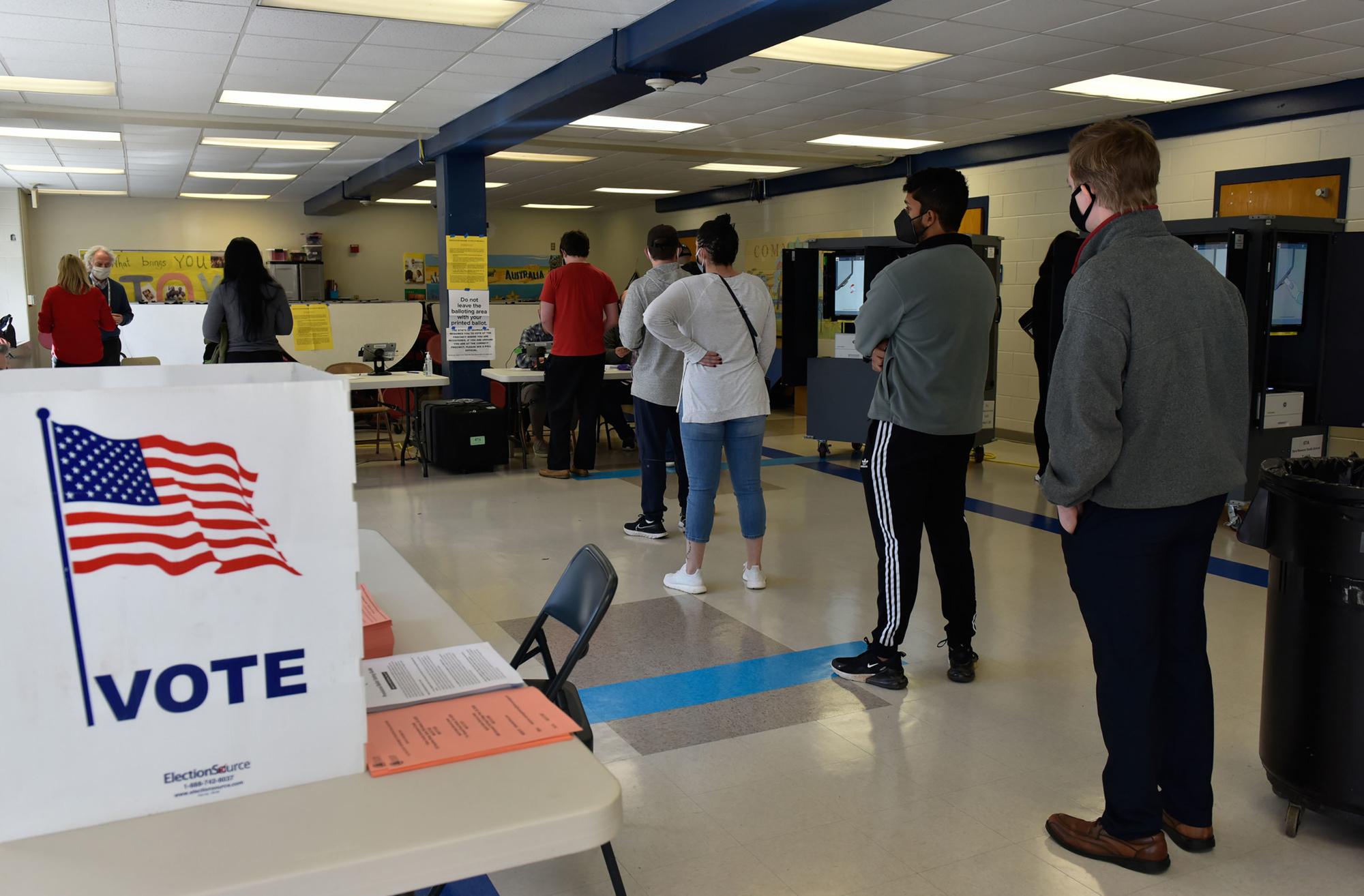 Een rij wachtenden bij de verkiezingen in Atlanta , Belga