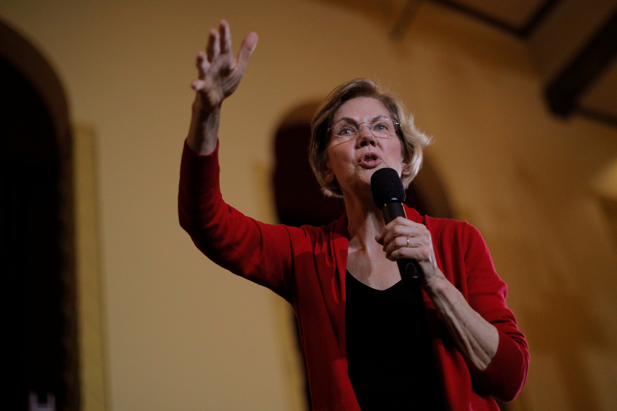 Elizabeth Warren, reuters