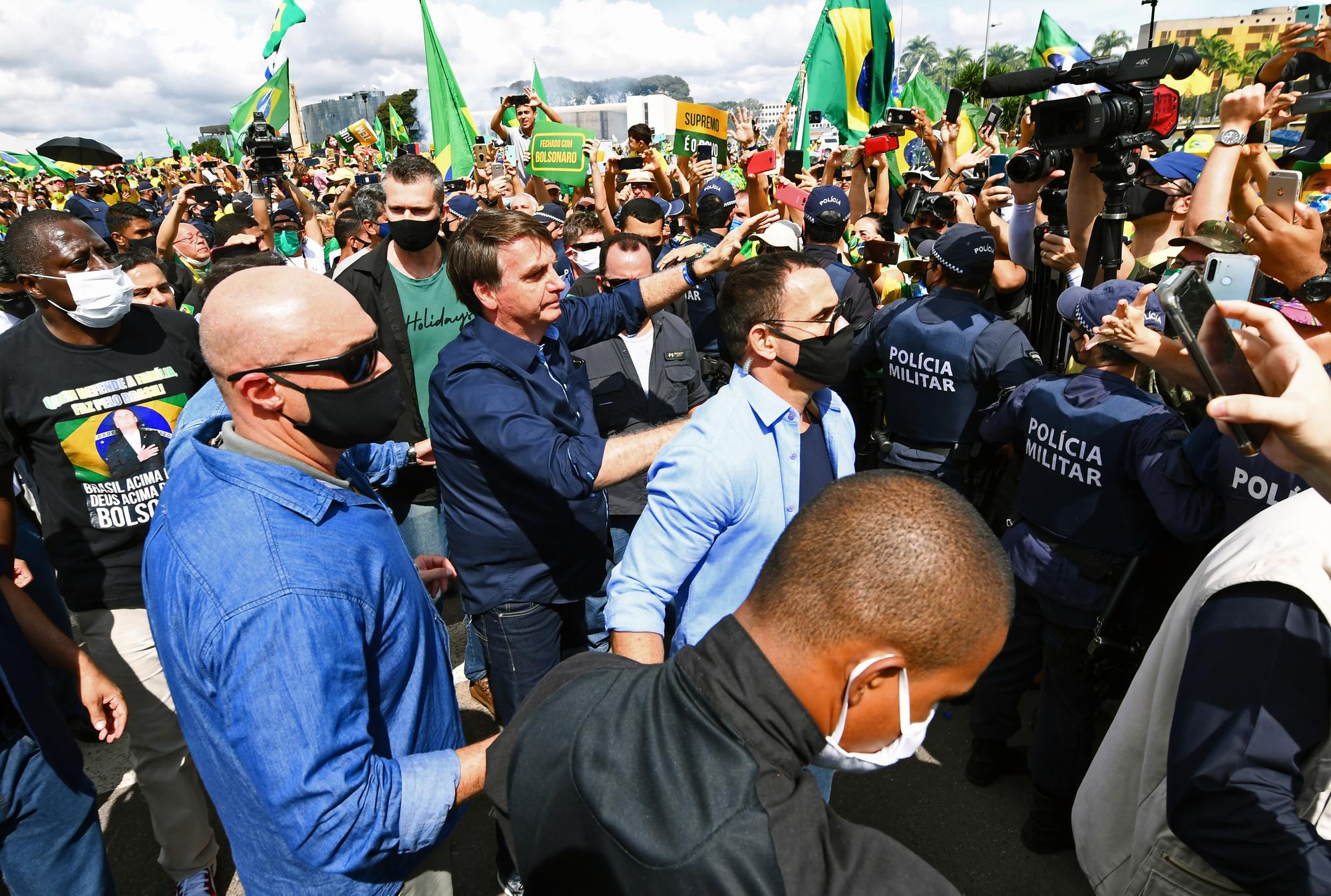 Jair Bolsonaro rencontre ses partisans, en pleine épidémie de coronavirus., AFP