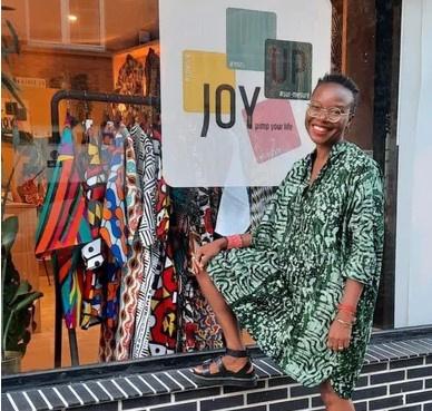 Siré Kaba, la créatrice de la robe de la princesse Delphine est présente dans le concept store bruxellois JOY UP., Aylin Koksal