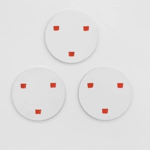 Niele Toroni, Untitled, Empreinte de pinceau n° 50 répété à intervalles réguliers de 30 cm, Acrylic on Wood, Diamètre : 53 cm, 1997, Galerie Albert Baronian/Yoko Uhoda