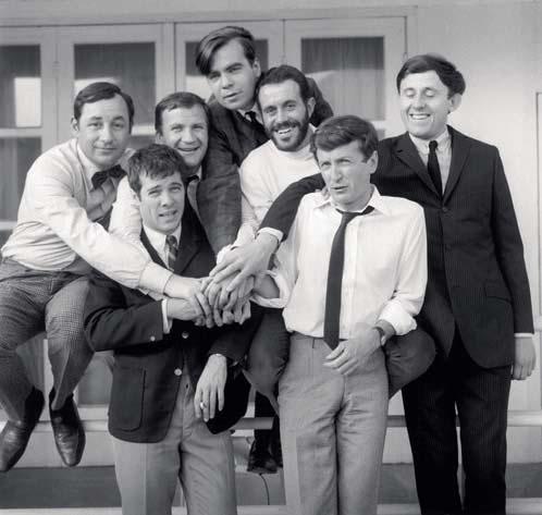 DÉBUTS. Les Copains, d'Yves Robert (1964), avec Philippe Noiret, Guy Bedos, Pierre Mondy, Jacques Balutin, Claude Rich et Christian Marin., RUE DES ARCHIVES/AGIP