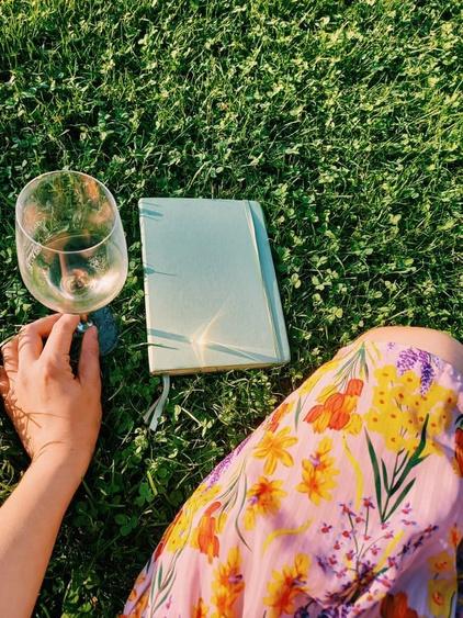 'Valavond in Wenen: schrijven, mensen kijken en liggen in het gras.', Joanna Vervoort