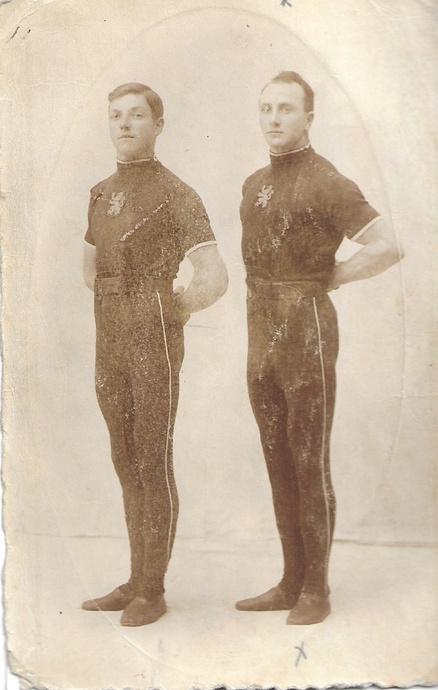 Nicolaas Moerloos en Domien Jacob, de twee gymnasten van Kracht en Geduld, gf