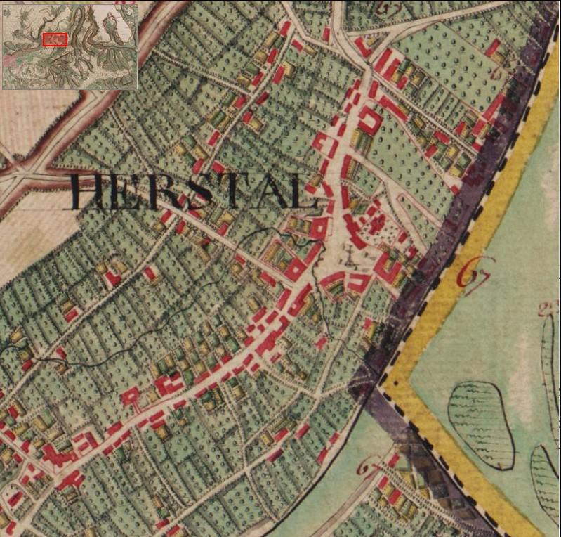 La carte de Ferraris, datée de 1777, montre qu'au XVIIIe siècle, la place de la Licour était encore bordée par un ruisseau, qui dessine comme un arc de cercle incomplet autour de la place, adossée à la Meuse : les cours d'eau auraient-ils été utilisés comme douves ?, https://www.kbr.be/fr/projets/la-carte-de-ferraris/