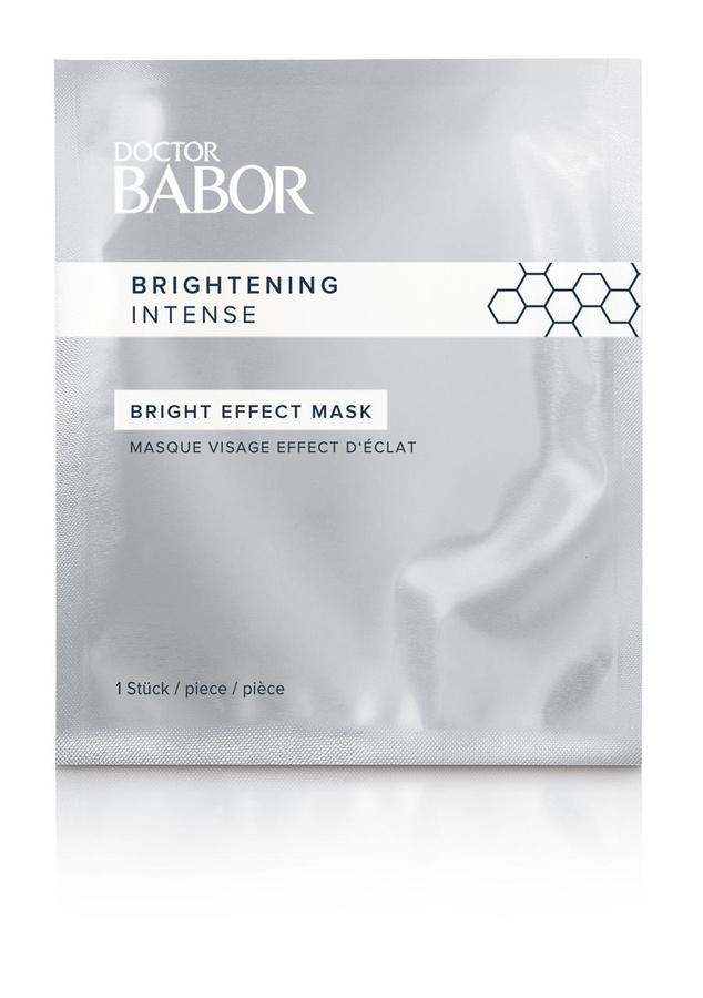 Masque visage effet éclat, Doctor Babor, 49 euros la boîte de cinq (disponible en institut)., SDP